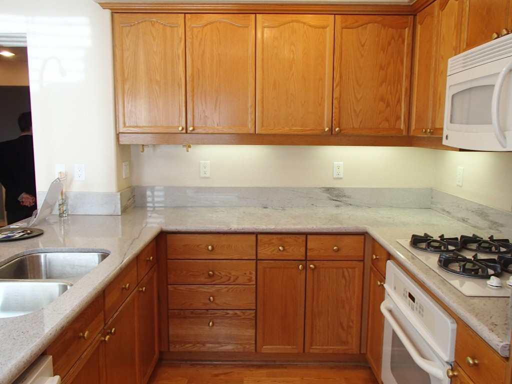 kitchens with wood cabinets and white appliances. Simple Appliances OLYMPUS DIGITAL CAMERA For Kitchens With Wood Cabinets And White Appliances A