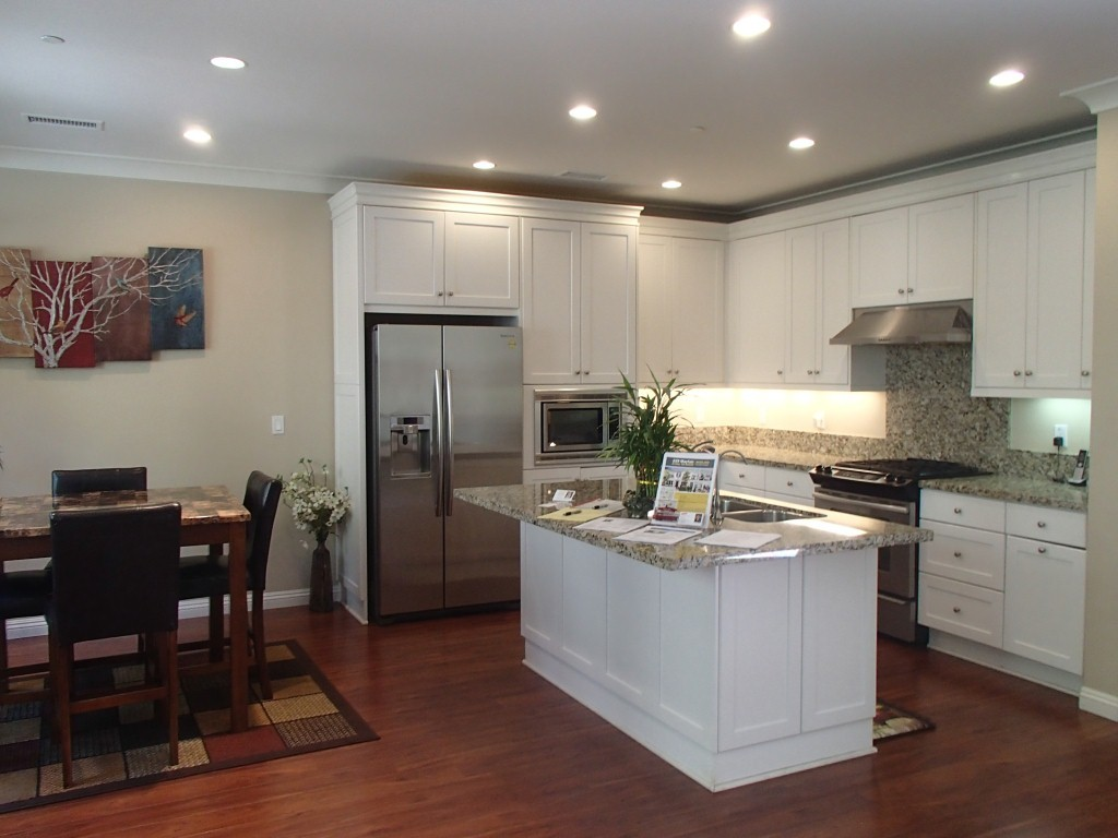 Open house review 229 mayfair irvine housing blog for Atrium white kitchen cabinets